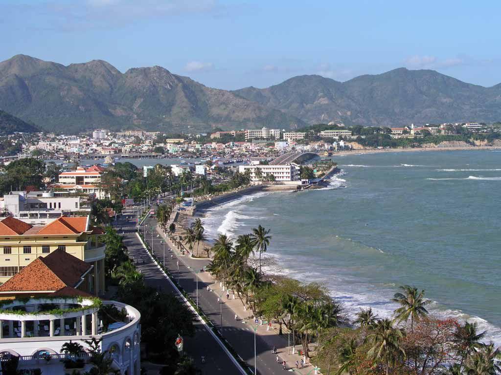 Nha Trang, Blick über die Strandpromenade