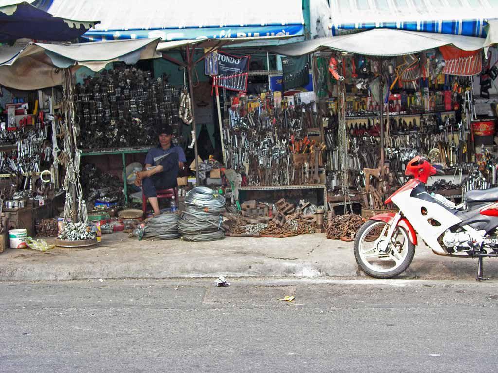 Saigon, Eisenwarenhändler