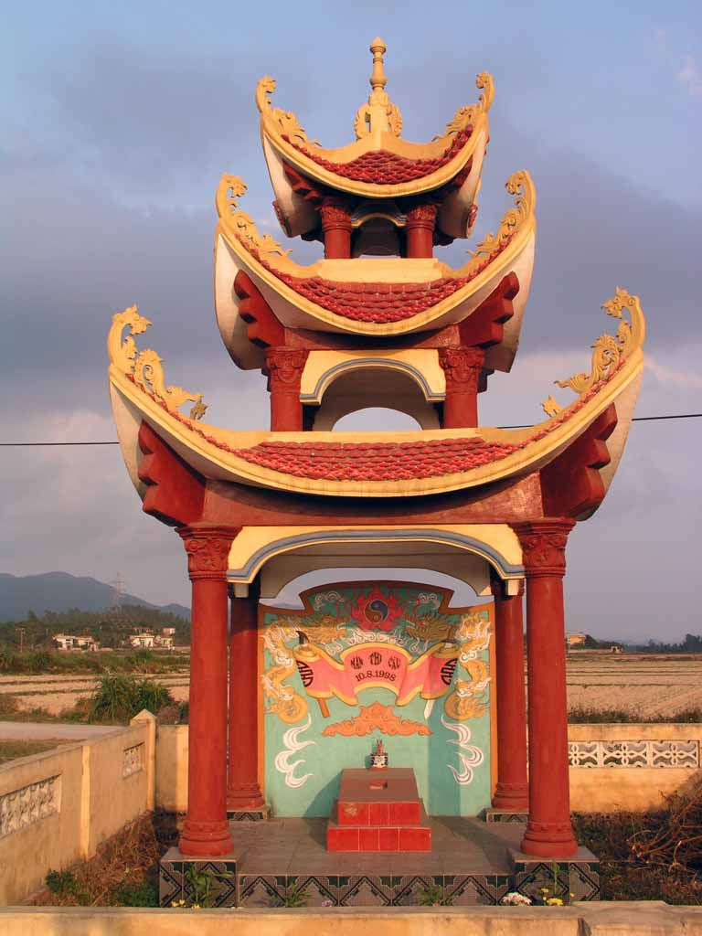 Nahe Haiphong, Grabmal