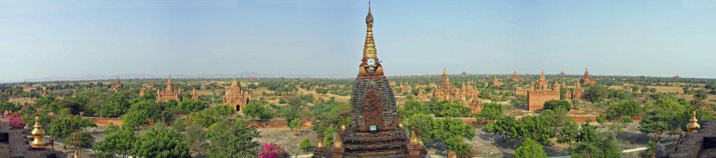 Panoramablick über Bagan von der Dhamma-Yazika-Pagode aus