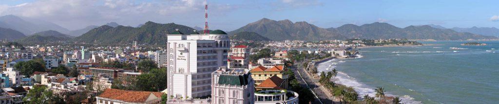 Nha Trang, Panoramablick über Stadt und Strandpromenade