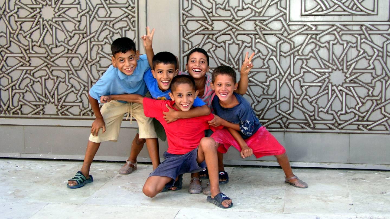 Casablanca, Kinder vor der Hassan II. Moschee