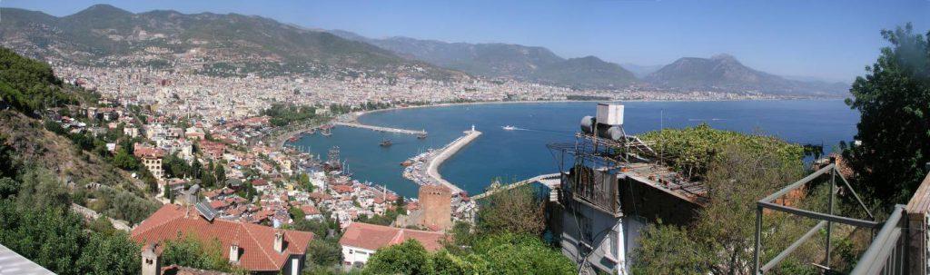 Antalya, Stadt- und Hafenpanorama